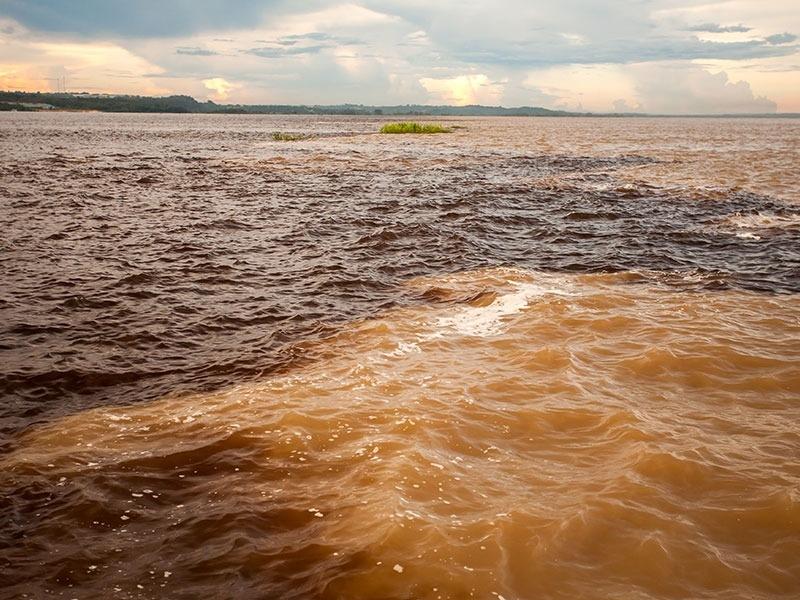 Encontro das águas: porquê o Rio Negro e Solimões não se misturam